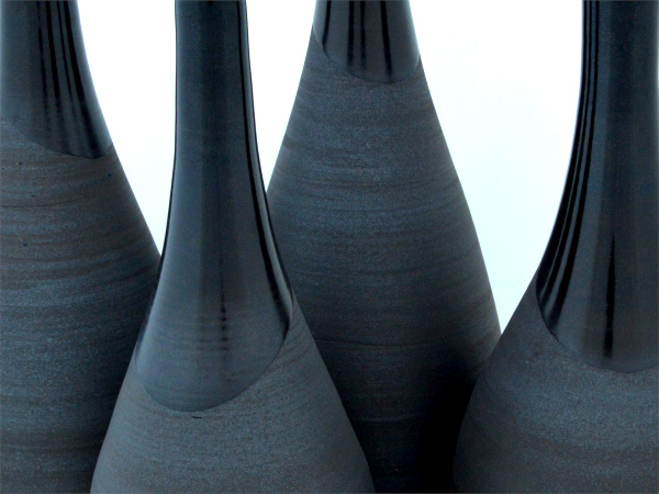 handgemaakte-keramiek-zwarte-vaas